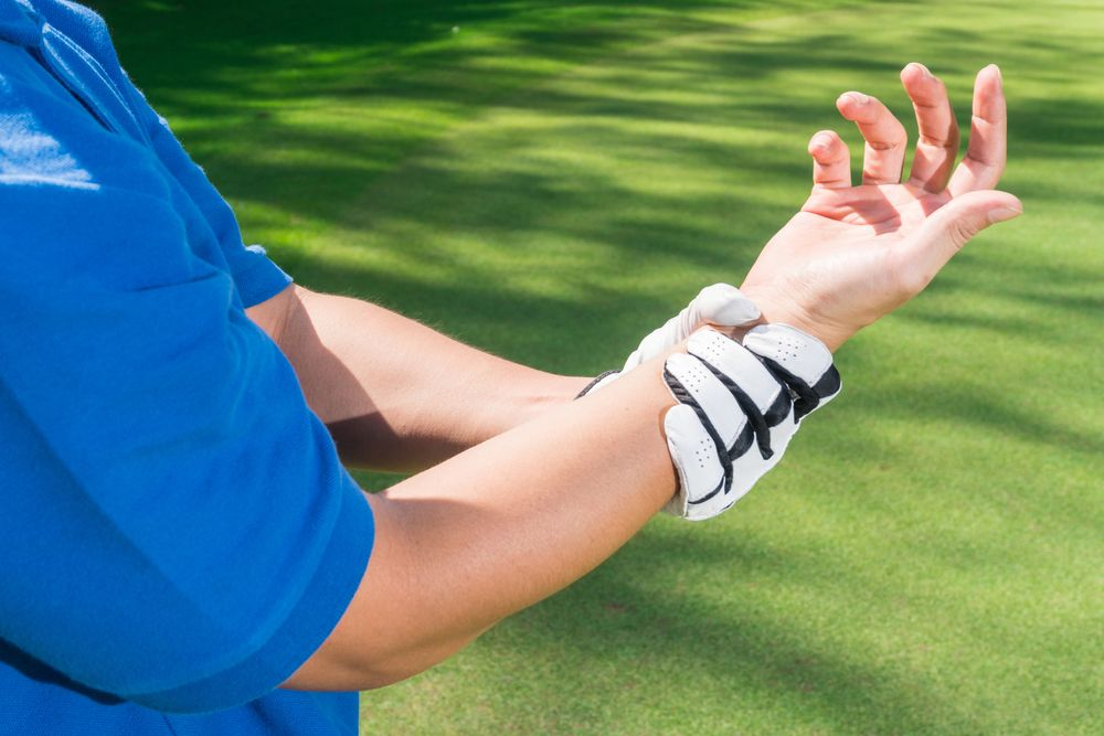 Pain in the wrist from golfer's elbow