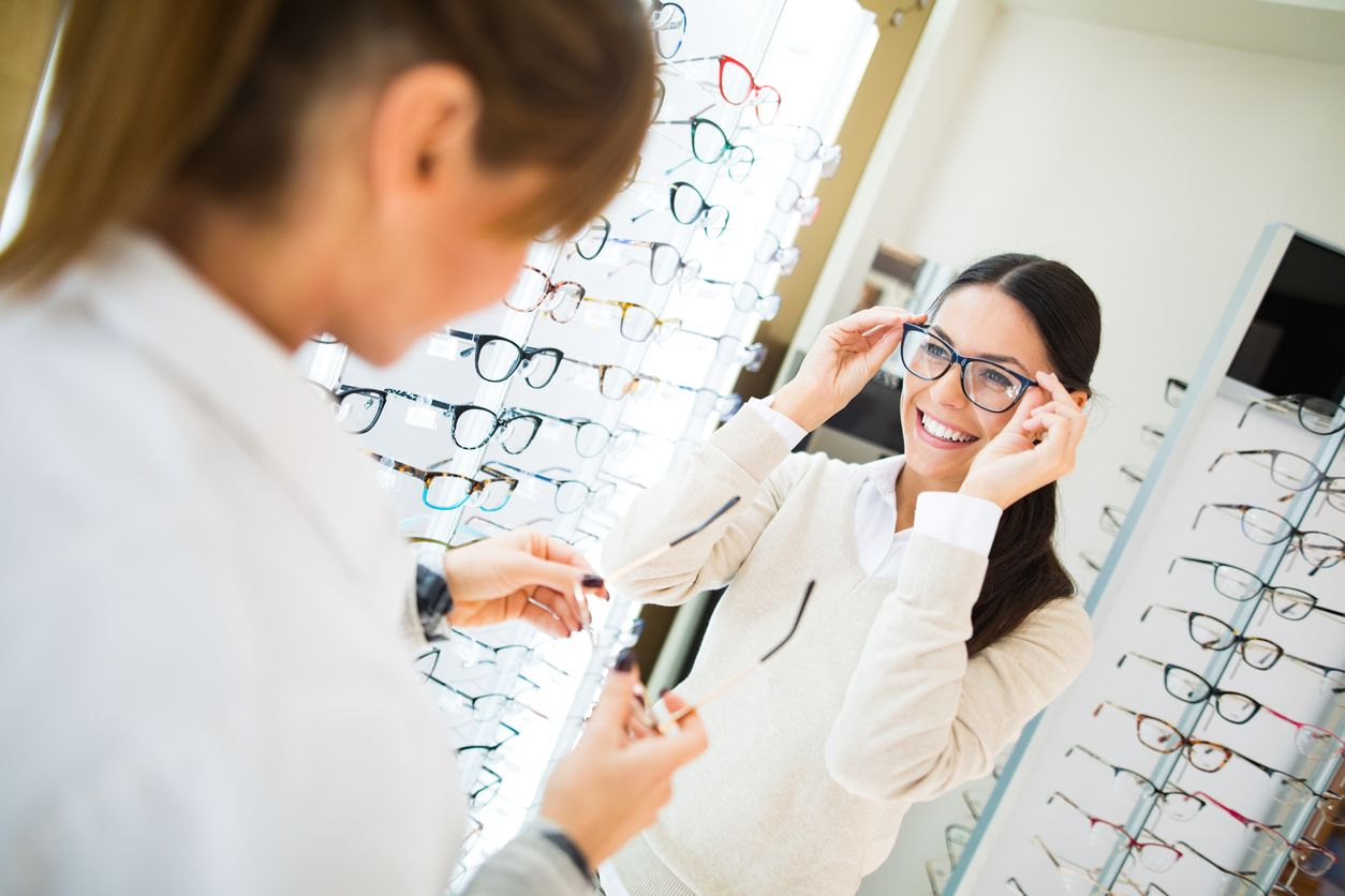 819ce0cc67623 How to Pick the Best Glasses for Your Face Shape and Skin Tone