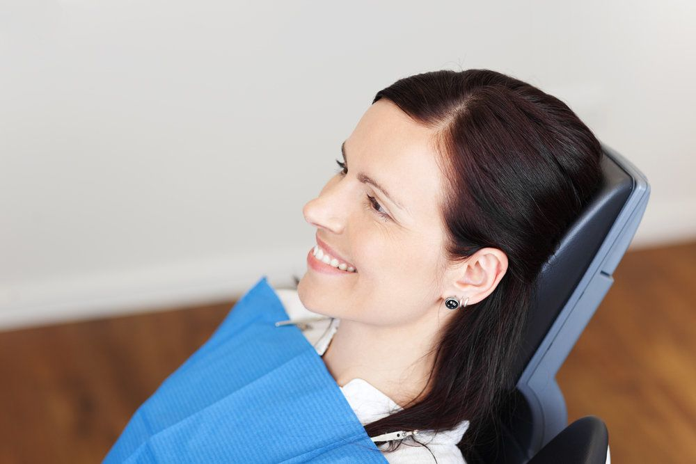 Photo of a woman in the dentist's chair